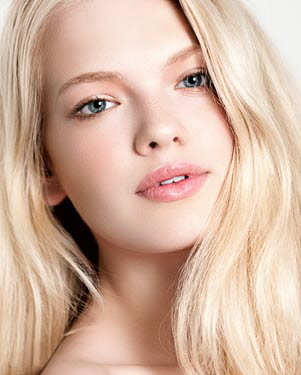 Classify British Model Emma Barley