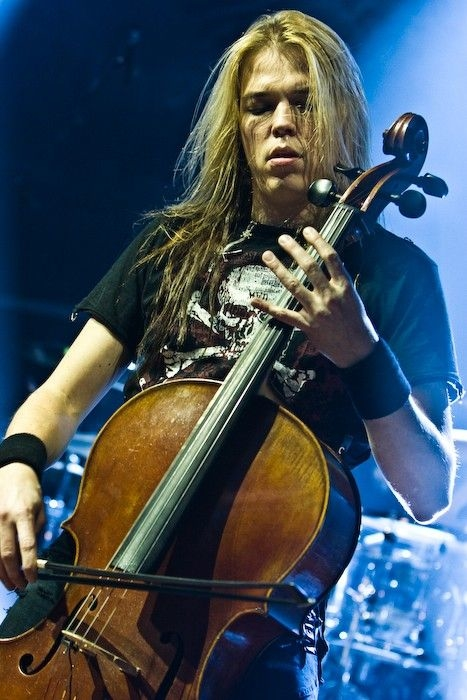 Classify Finnish Cellist/Drumer/Pianist Eicca Toppinen from Neoclassical Metal Band Apocalyptica