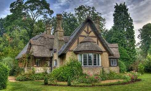 Beautiful english countryside fairytale cottages with for English country cottage house plans